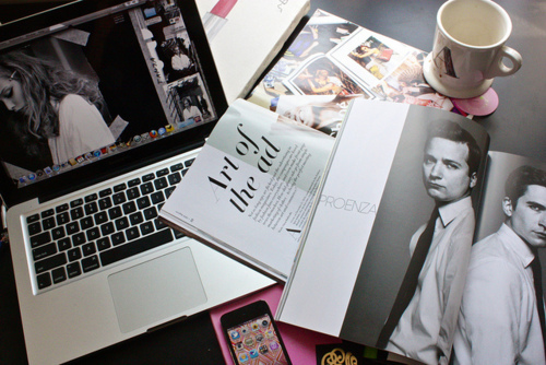 How to Get Invitations for Paris Fashion Week, laptop and magazines, magazine fererence, favim